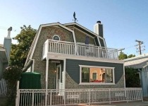 [Image: 'Gull Cottage' at 309 Clemente.]