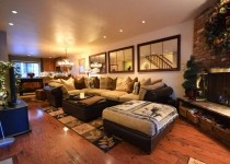 [Image: Lovely 4 BR Townhouse - Great Location Near the Gondola]