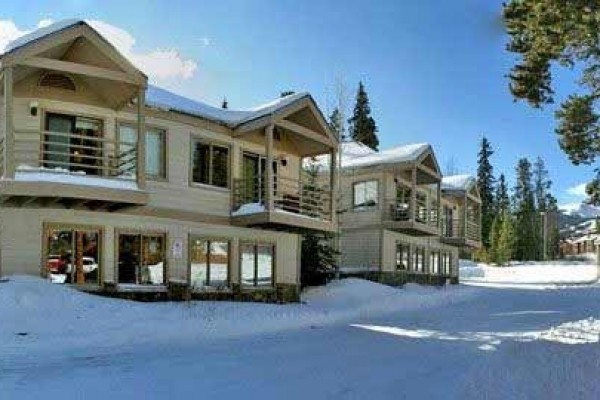 [Image: Breckenridge Fully Equipped Ski in 1 & 2 Bedroom Condos in Town]