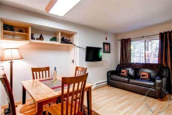[Image: Walk to Everything! Ground Level Condo with Great Access to Slopes & Downtown]