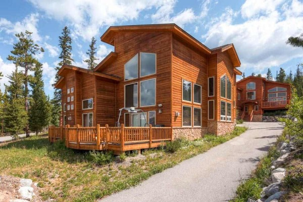 [Image: Fair Mountain Retreat - 4 Bedroom / 3 Bath Rustic Modern Home that Sleeps up 13]