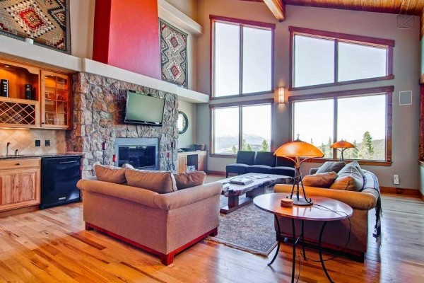 [Image: Spacious Mountain Home with Amazing Views, Hot Tub, Free Shuttle: Sundara Place]