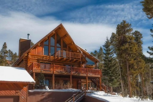 [Image: A 'True Mountain Home', Big Views & Free Shuttle to Slopes & Town!!!]