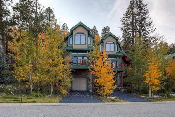 [Image: 111 Woods Drive: 4 BR / 3.0 BA Townhome in Breckenridge, Sleeps 9]