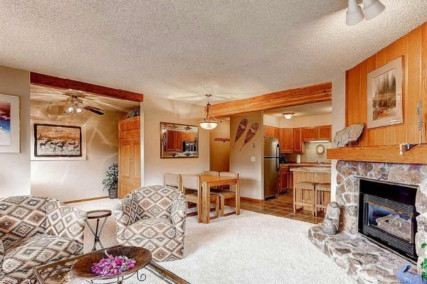 [Image: Woods Manor 301 1BR+Den Condo in Four Seasons Area Wifi Breckenridge Lodging]