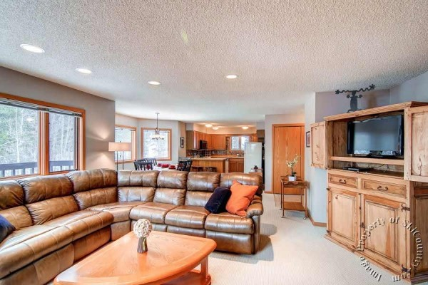 [Image: Comfortable 2 Bedroom, Bright Living Area with Forest Views. Onsite Hot Tub]
