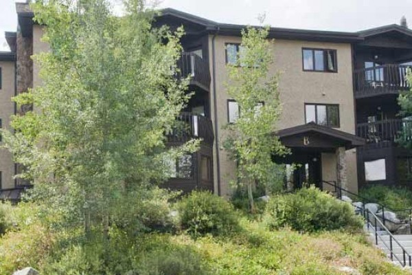 [Image: Breckenridge Vacation Rental: Huge One Bedroom with Two Full Baths, in Town]