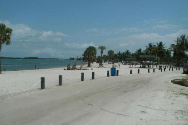 [Image: Beautiful! Beach,Clean,Quiet,Fun,Carribean Style Resort on Hutchinson Island!]