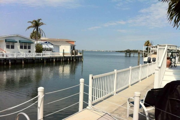 [Image: Waterfront Cottage with Beach River & Ocean Access, Tennis]