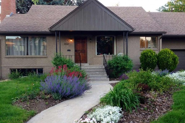 [Image: Denver's Best Neighborhood**Wonderful Home with Spa Near Cherry Ck. & Downtown]