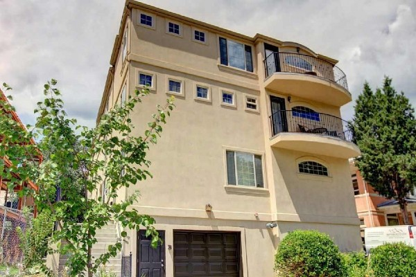 [Image: Spectacular 4 Bed/5 Bath in Denver's Hottest Location! Sleeps up to 12.]