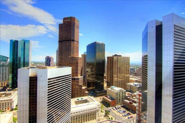 [Image: Book Online! Perfect Downtown Location! Best Views! 100 Walk Score! Stay Alfred Dp2]