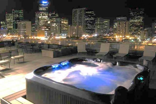 [Image: Book Online! Rooftop Deck Overlooking Coors Field with Hot Tub! Stay Alfred Pl2]