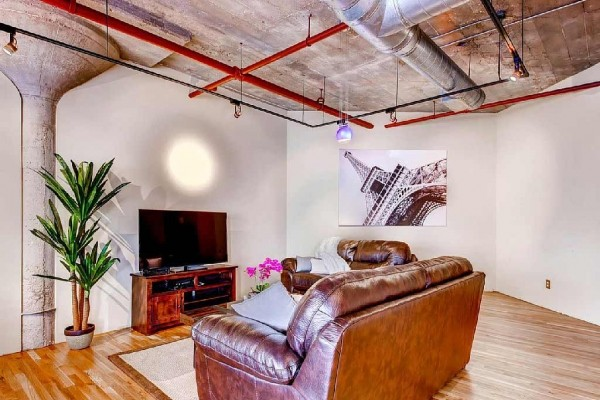 [Image: Executive* Penthouse Loft Downtown Denver Walking Distance to Everything!]