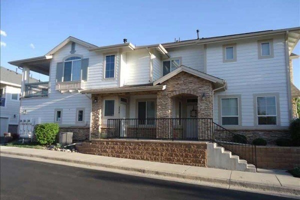 [Image: Great 2 Bedroom Townhouse in Highlands Ranch. Furnished]