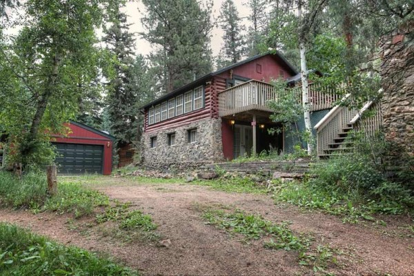 [Image: Rustic Cabin with 5 Star Amenities on Elk Creek]