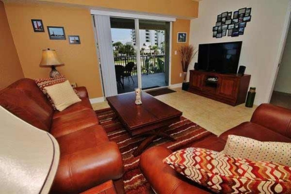 [Image: Beautiful 2 Bedrooms and 2 Bathrooms. Close Beach Access for Your Fl Vacation!]