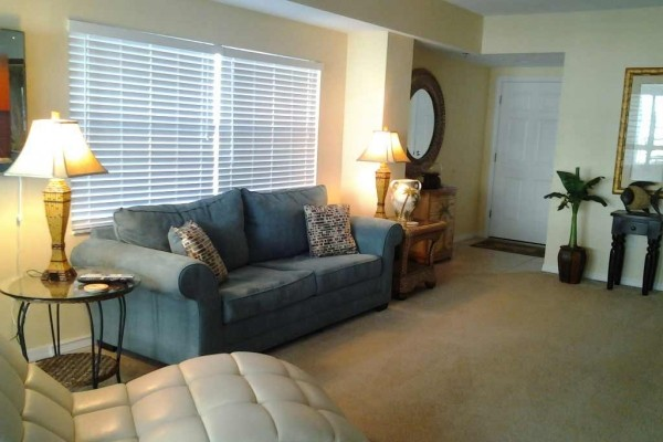 [Image: Affordable Luxury. Aug.15 - Nov.1 Week $699. Pet Friendly, Wi Fi in Unit]