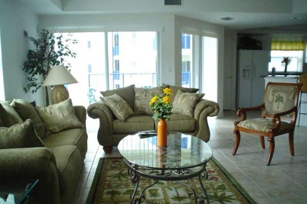 [Image: 3BR/2BA Beach Cottage Condo at Oceanwalk]