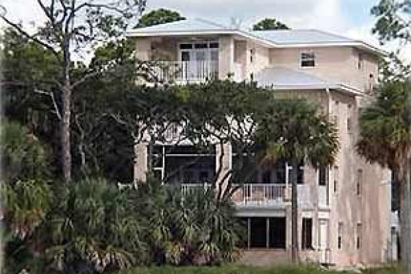 [Image: 1 Sunset Serenity - Bay Front 6BR/3.5BA Pool Dock Sleeps 14]