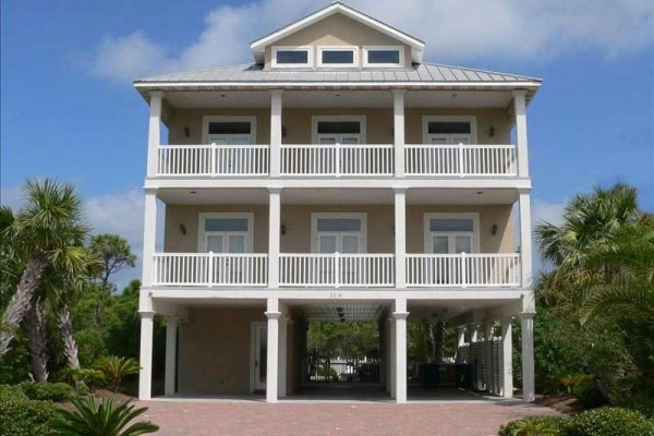 [Image: Smiley's Beach Getaway - Luxurious, Gulf View 6BR/6BA, Pets Ok]