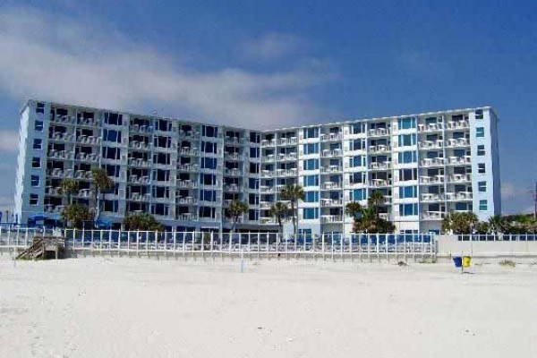 [Image: Beach Front, Full Amenities, Family Friendly Resort/Sleep 6]