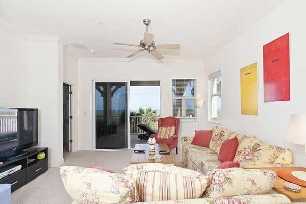 [Image: Cinnamon Beach 725, 2nd Floor, Ocean Front Corner Unit, 2 Heated Pools, Wifi]