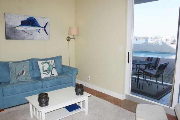 [Image: Gorgeous New Sea Spray Riverside 1br1ba!! Ground Floor Walk Out- Pool Front!]