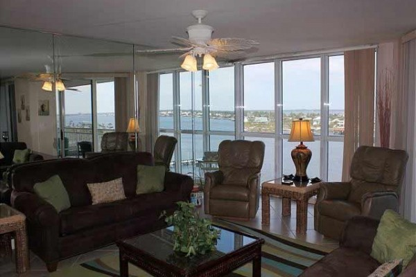 [Image: Brand New Sea Spray Riverside 2BR 2BA- Amazing 9th Floor Views!]