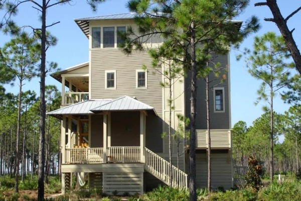 [Image: Walk to the Beach! 3 Bdrm Multi Level Home, Community Pool. Sleeps 6.]