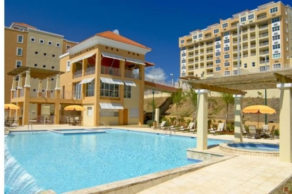 [Image: 4BR Resort like Penthouse Condo with ocean views and 3 pools]