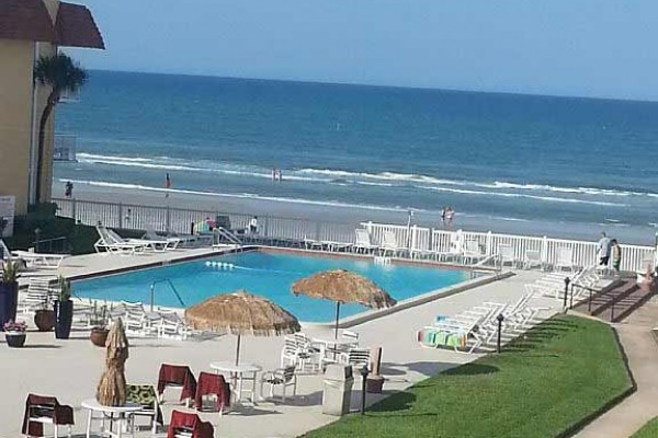 [Image: Newly Renovated Oceanfront Condo on No Drive Section]