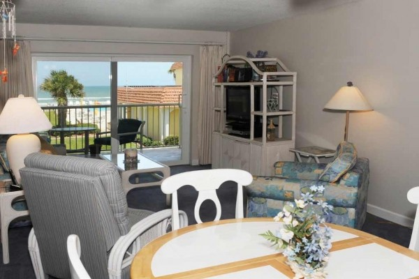 [Image: Dottie's Beach Retreat Just Posted Low Summer Rates!]