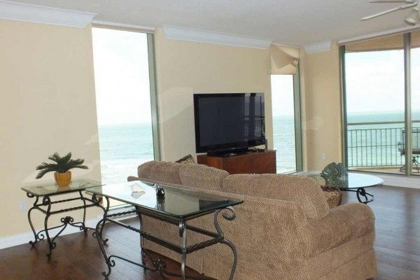 [Image: Panoramic Private Ocean/Beach Front, 3bd/3.5BA/Sleeps 6]