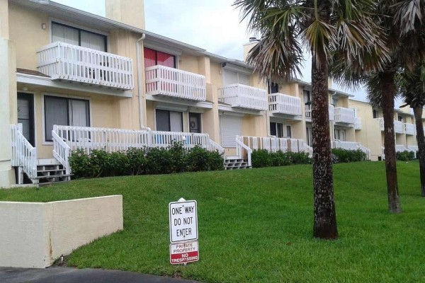 [Image: Price Reduced! Pet & Family Friendly 3 BR, 2.5 Bath Condo Across from Beach]