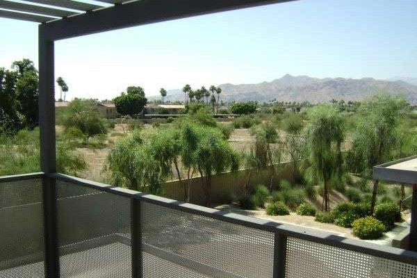 [Image: Contemporary -Walking Distance to Downtown Palm Springs]