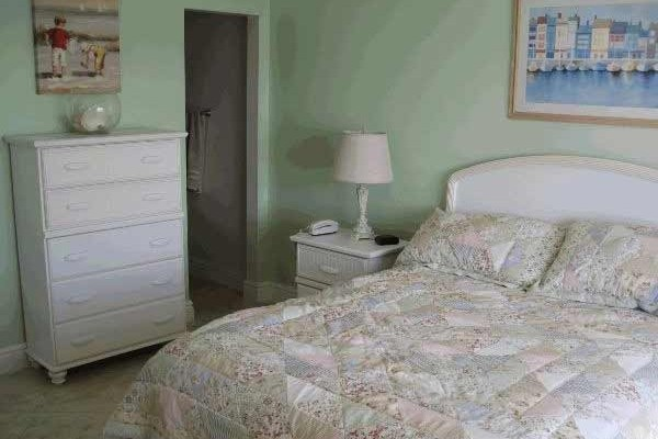 [Image: Two Bedroom Oceanfront Condo Sleeps 4-6]
