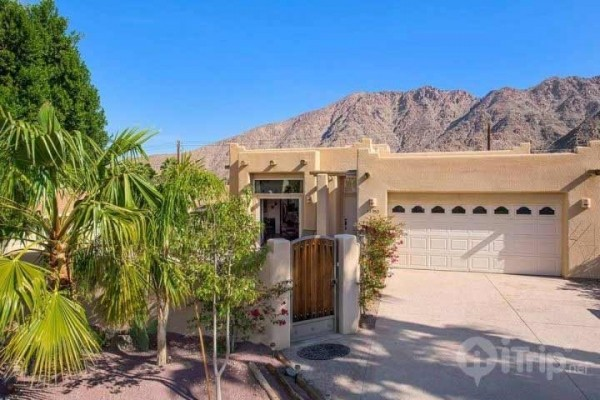 [Image: Top of La Quinta Cove Santa Fe Home 3 Bd/2BA with Pool and Patio F/P]