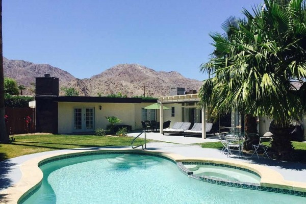 [Image: Mid-Century Modern 3/2 Private Pool Home Top La Quinta Cove]