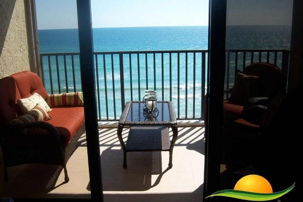 [Image: Paradise Vacation Rental - 0% Stress. Absolutely Gorgeous Beachfront Condo]