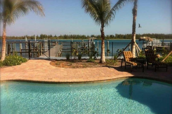 [Image: Kiwi Luxury Condo W/Pool, on Inlet Minutes from Ocean, Water Dockage]