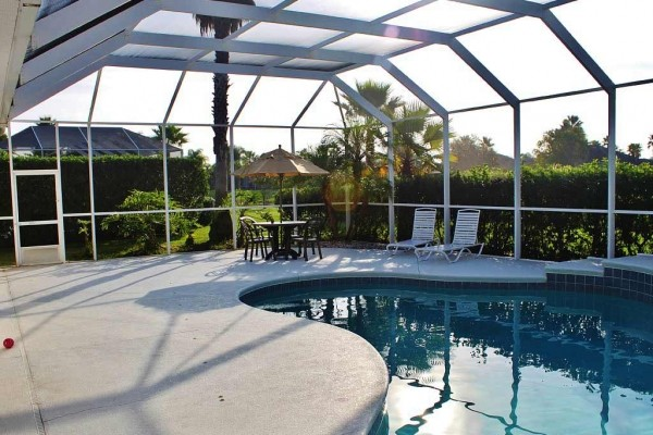[Image: Labor Day Avail - 30% Off All August Dates! Splendid 4BR House W/Private Pool in Upscale Gated Community - 10 Min from Daytona Beach!]