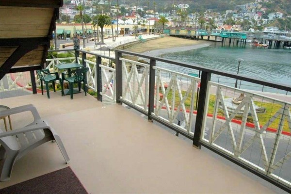 [Image: Avalon's Only Waterfront Beach House! 1 Bedroom Top Unit Sleeps 2-3]