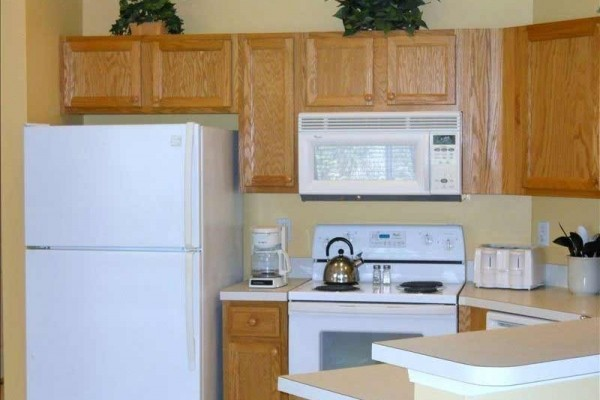 [Image: 1st Floor End Unit in PGA Village/Castle Pines. Low Summer Rates (May-October).]