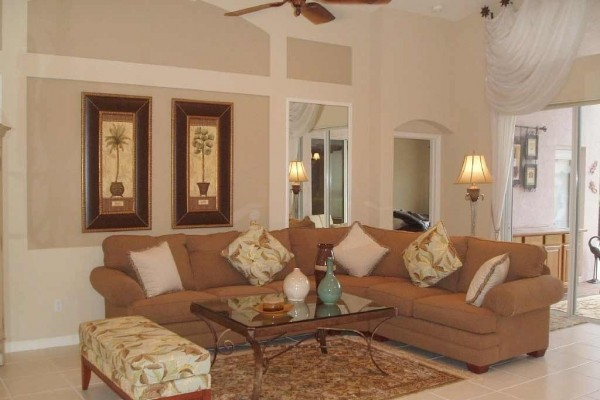 [Image: Golfers Paradise Elegant Pool Home in Pristine Condition in Gated Golf Community]