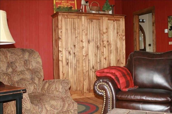 [Image: Deerwood Station- Relax in Our Beautiful Guest Cabin!]