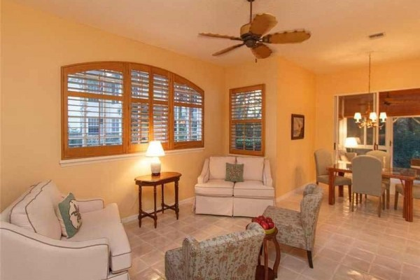 [Image: Pristine 2 BR/2BA in Sea Oaks, 1st Fl, 1 Car Garage, Newly Furnished]