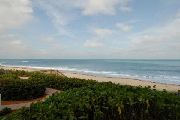 [Image: Vero Beach Oceanfront Condo in Sea Oaks - Beautiful Views!]