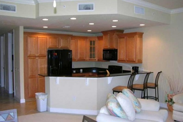 [Image: 3BR/3BA, 3 Story Condo, Private Pool/Whirlpool, Gated Complex]