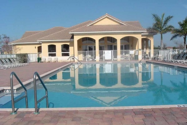 [Image: New Luxury Home in Port St Lucie, the Golf City. 3 Bedrooms, 2 Full Bathrooms]